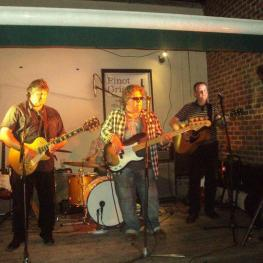 Live music at the Three Horseshoes Faversham 02